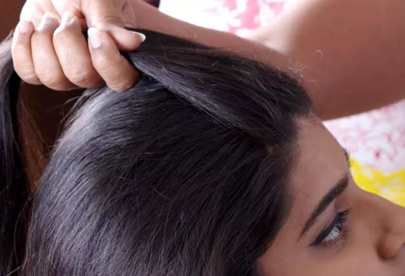 Hướng dẫn cách tết tóc kiểu Pháp đẹp đơn giản tại nhà bước 1