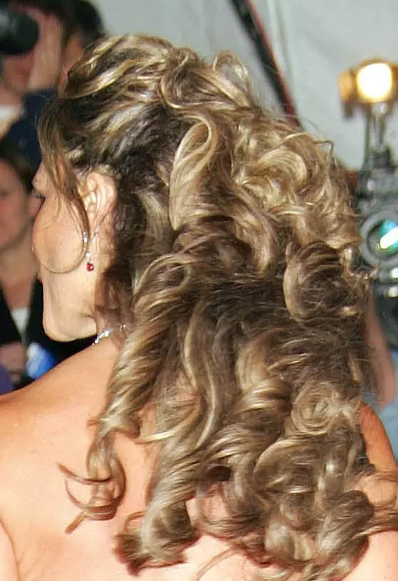 Kiểu tóc uốn xoăn