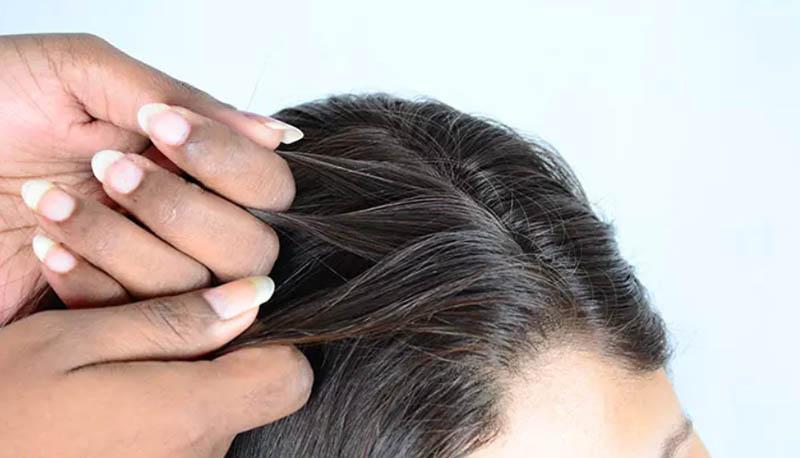 Cách tết tóc mái đẹp và chi tiết nhất giúp nàng thêm xinh bước 1