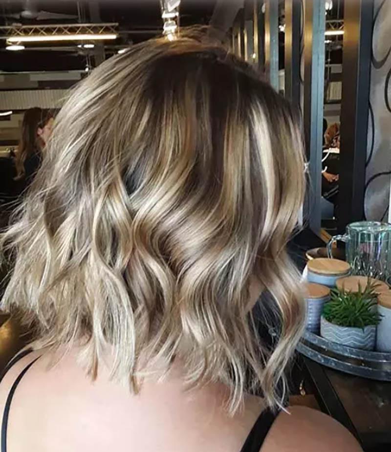 Kiểu tóc bob xoăn óng mượt
