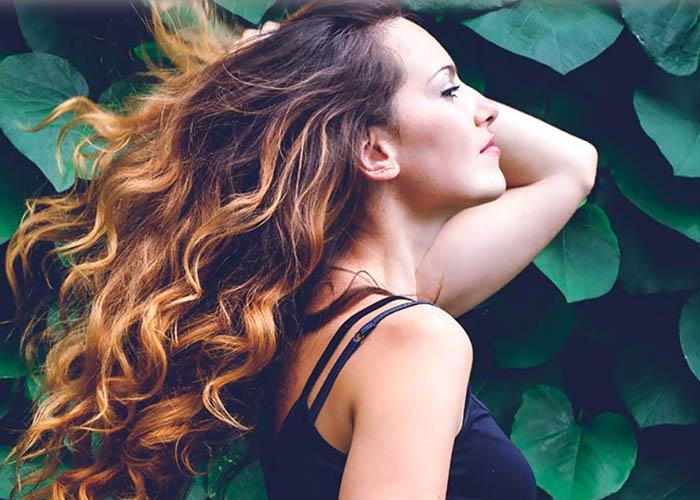 20 Cách tạo kiểu cho tóc xoăn tuyệt đẹp cho nàng thêm xinh