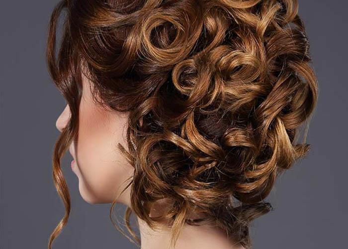 20 Cách tự tạo kiểu tóc updo tuyệt vời cho tóc xoăn