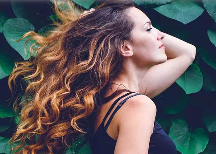 20 Kiểu tóc xoăn dành cho cô nàng có mái tóc dài tuyệt đẹp
