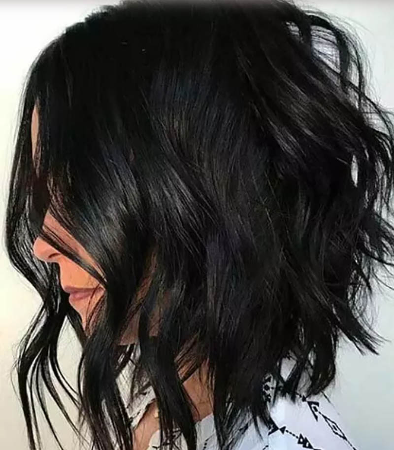 Kiểu tóc bob xoăn màu đen