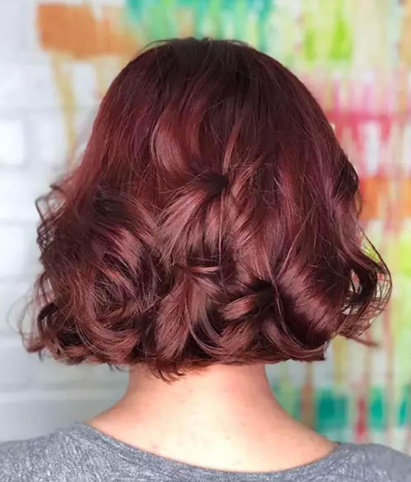Kiểu tóc bob cuộn tròn với những lọn tóc dài