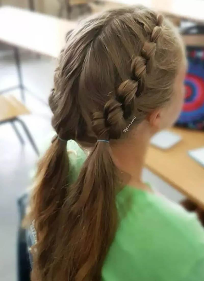 Bện tóc 2 bên buộc thấp
