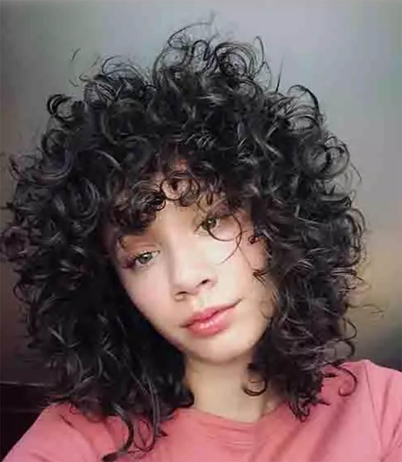 Kiểu tóc bob xoăn lông tơ