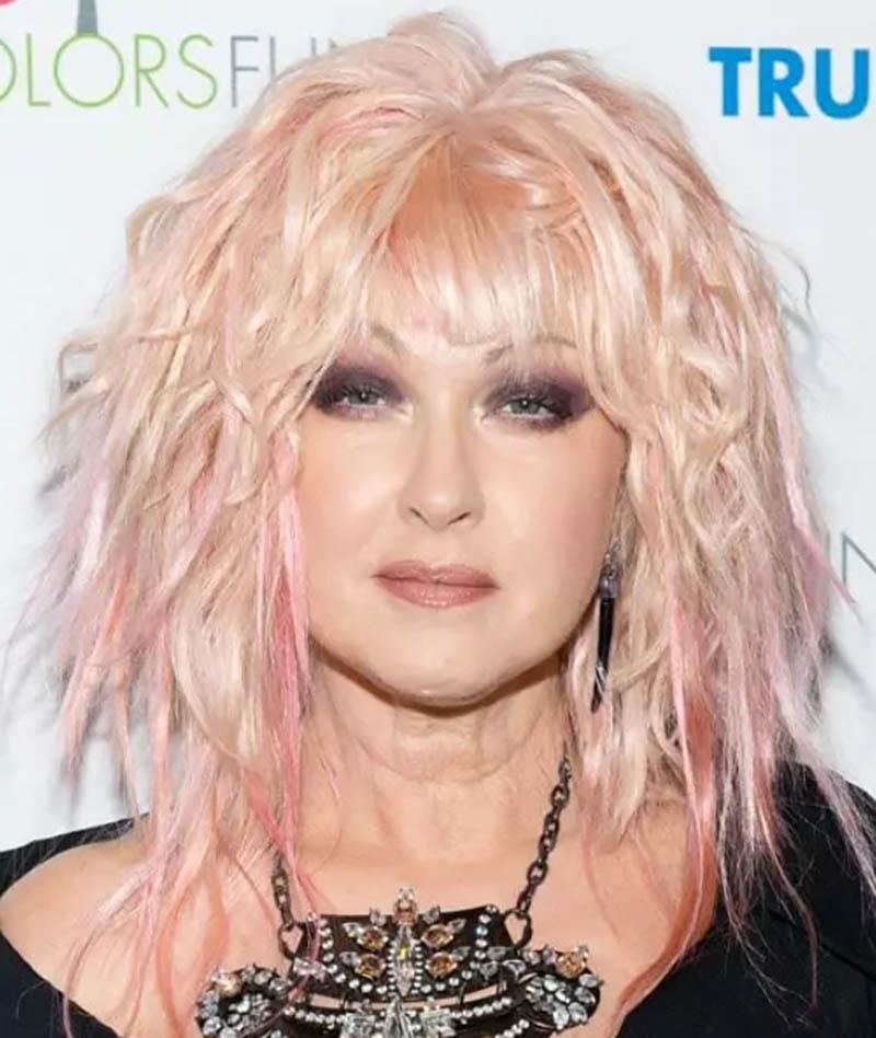 Tóc Bob nhuộm highlight màu đào - hồng