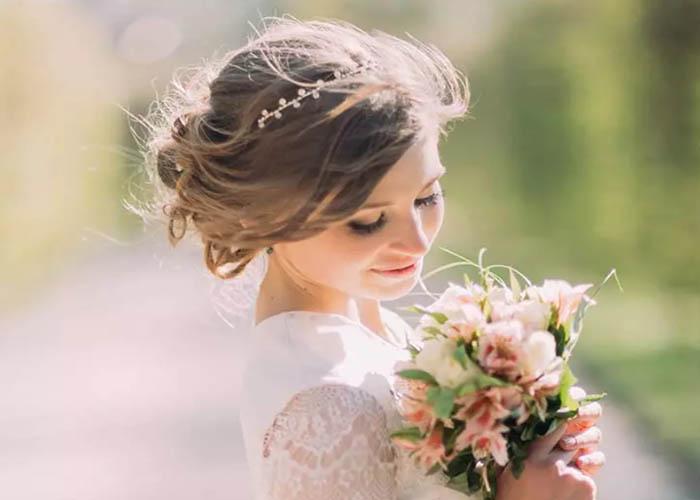 5 Kiểu tóc búi xinh đẹp cho ngày cưới giúp cô dâu nổi bật