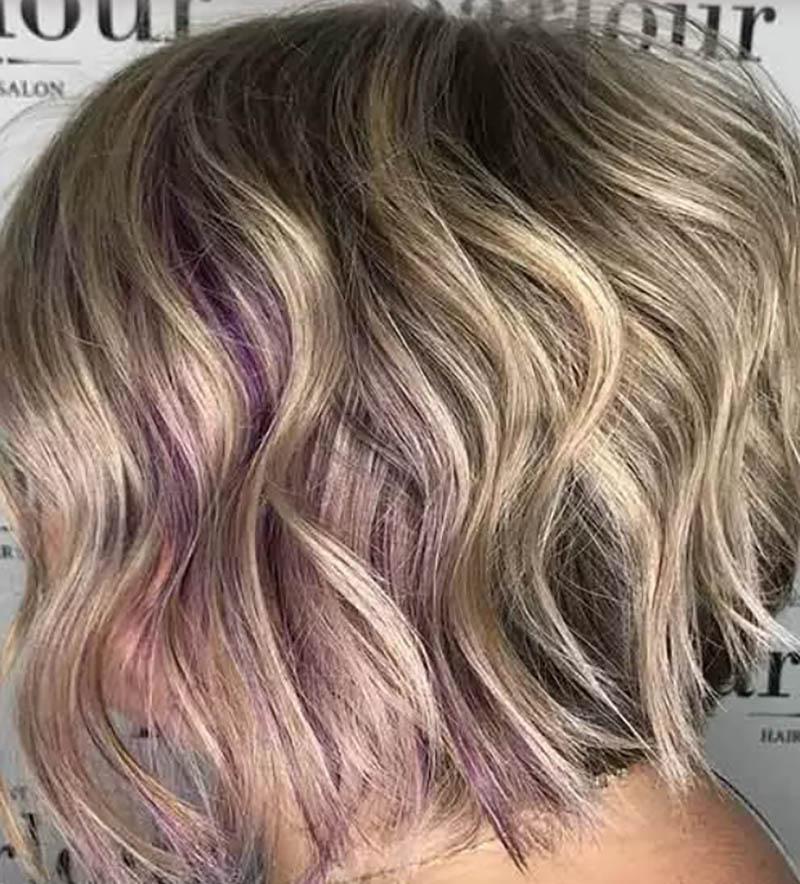 Kiểu tóc bob xoăn nhuộm highlight một phần