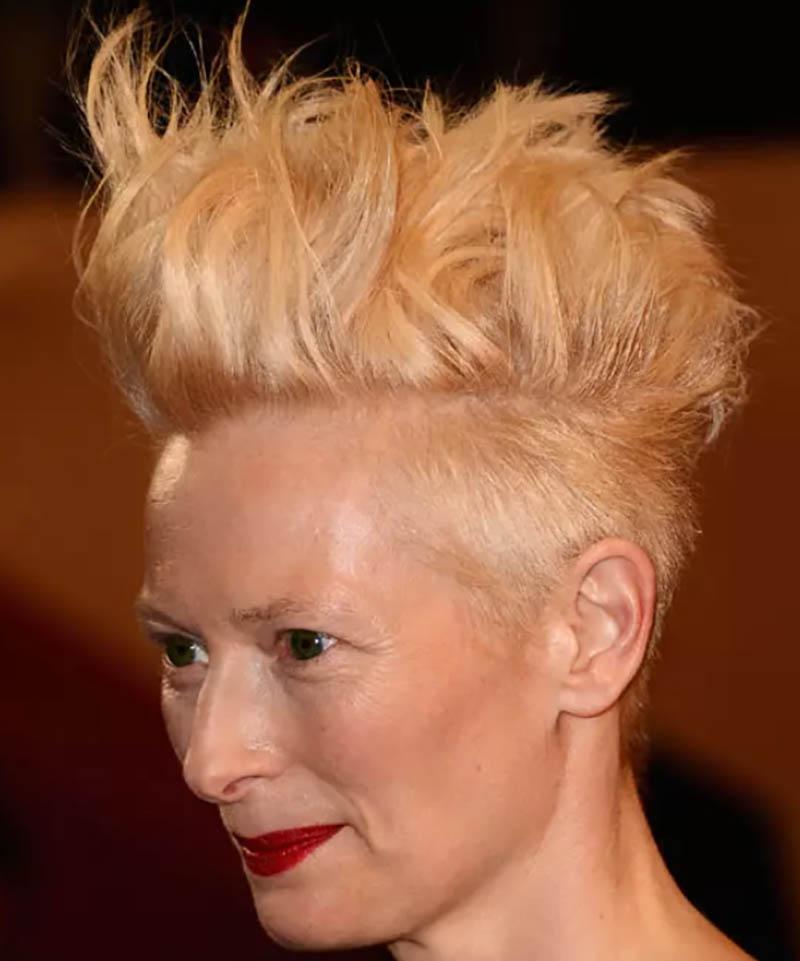 Kiểu tóc bồng bềnh