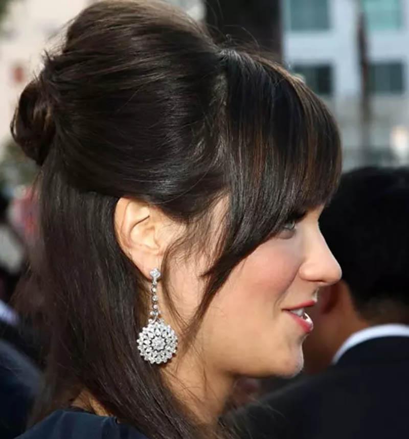 Kiểu tóc cột nửa mái chéo gợi cảm