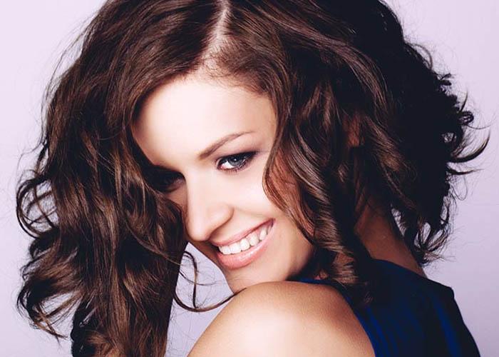 9 Kiểu tóc đẹp dễ thương cho cô nàng tóc ngang vai