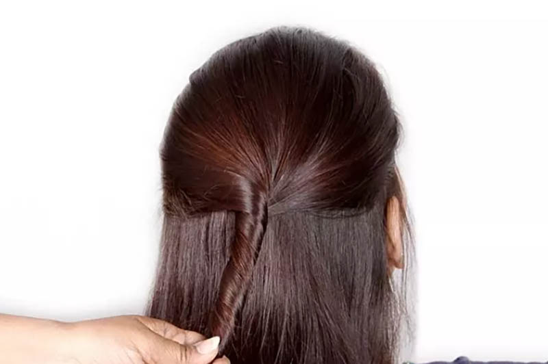 Cách làm kiểu tóc Half-Updo bước 2