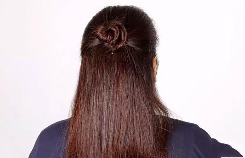 Cách làm kiểu tóc Half-Updo thành quả