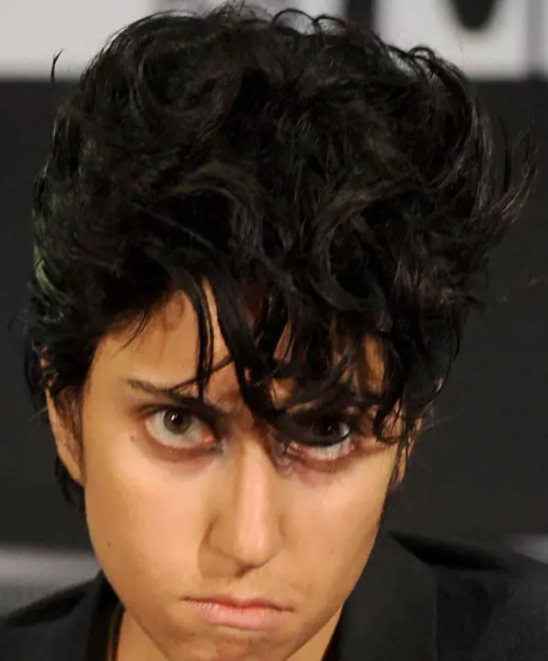 Kiểu tóc Bob được đánh rối
