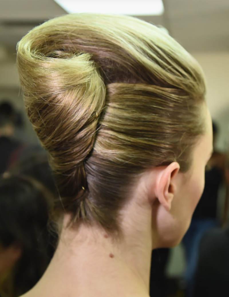 Kiểu tóc Twist kiểu Pháp (tóc xoắn)