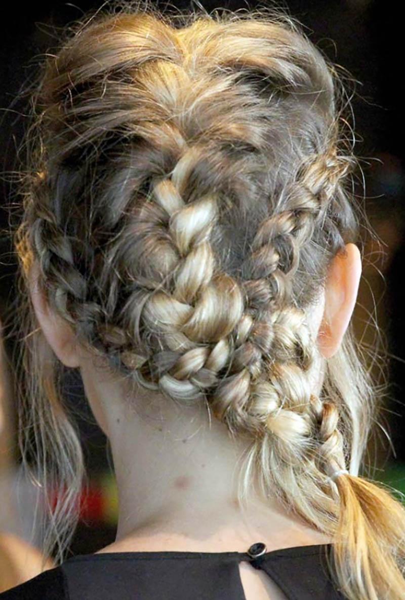 Tết nhiều bím tóc