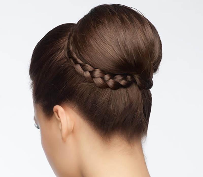 Tóc búi cao kết hợp bím tóc