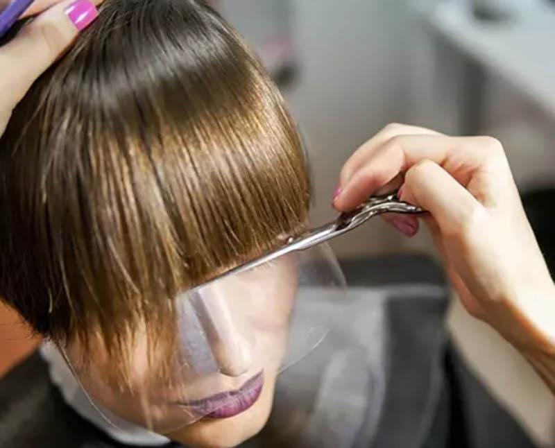 Tóc mái cắt thẳng
