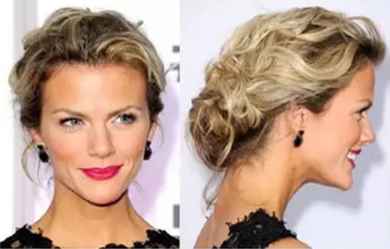 Trong khi người mẫu kiêm diễn viên người Mỹ Brooklyn Decker lại có một phiên bản khác với phần tóc uốn xoăn to hơn.