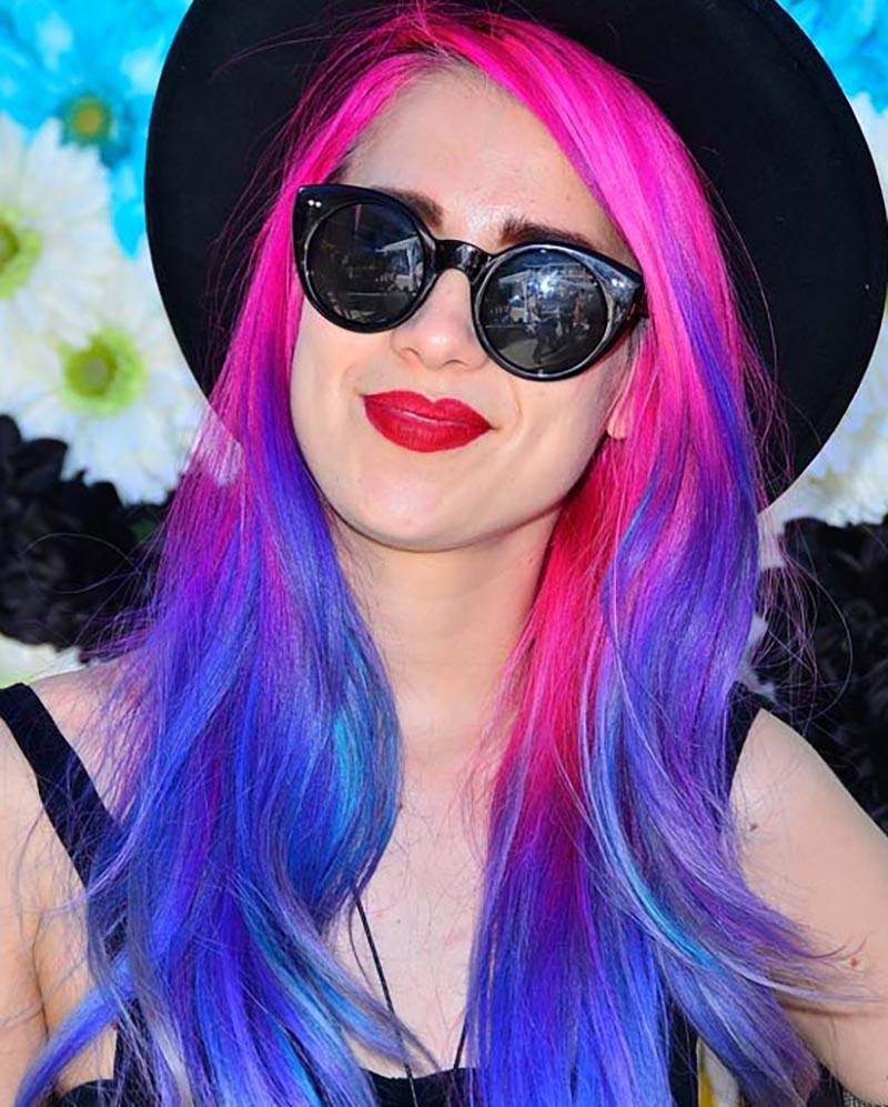 Xoăn layer với màu sắc rực rỡ của hồng và xanh dương