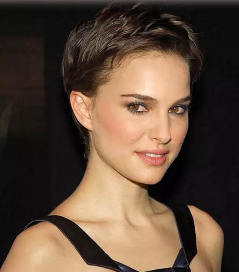 Kiểu tóc tém nhiều lớp đơn giản