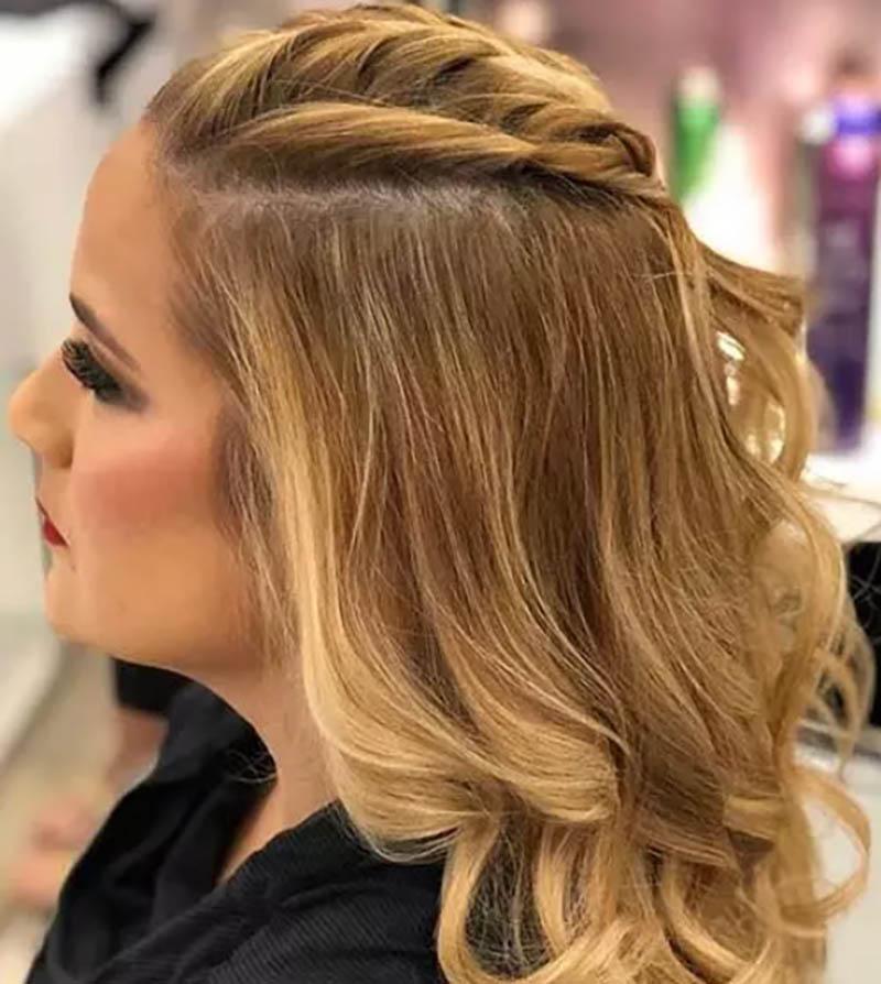 Tóc tết kiểu pháp với tóc xoăn hai bên