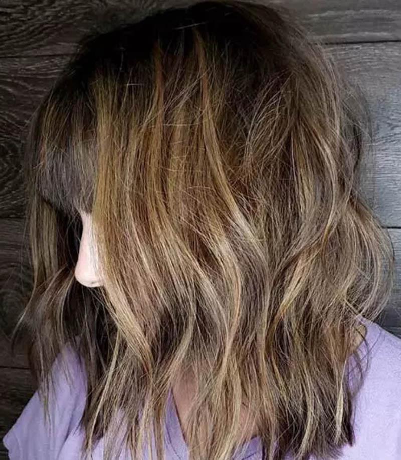 Kiểu tóc cắt nhiều lớp gợn sóng
