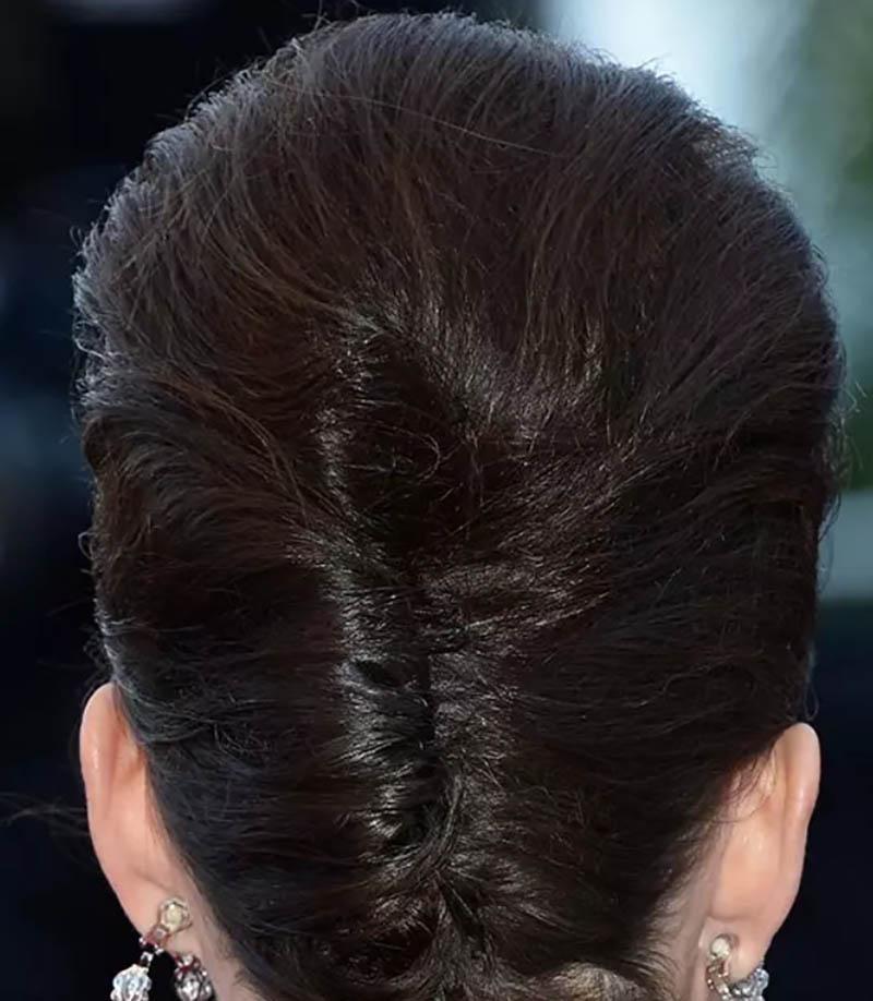 Kiểu tóc xoăn theo phong cách Bouffant tuyệt đẹp của Pháp