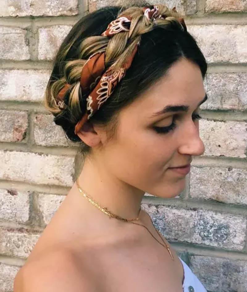 Bím tóc vòng và khăn
