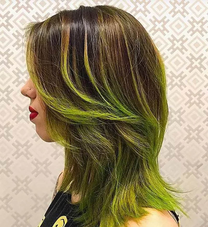 Tóc layer nhuộm Ombre màu xanh neon