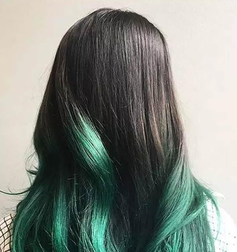 Tóc dài gợn sóng nhuộm Ombre màu xanh Teal