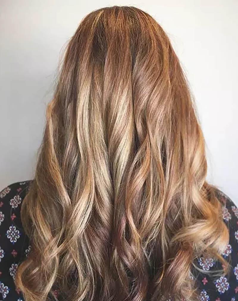 Highlight màu Caramel trên tóc nhuộm tự đổi màu