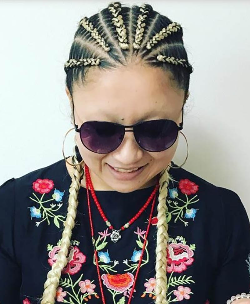 Thắt tóc đối xứng