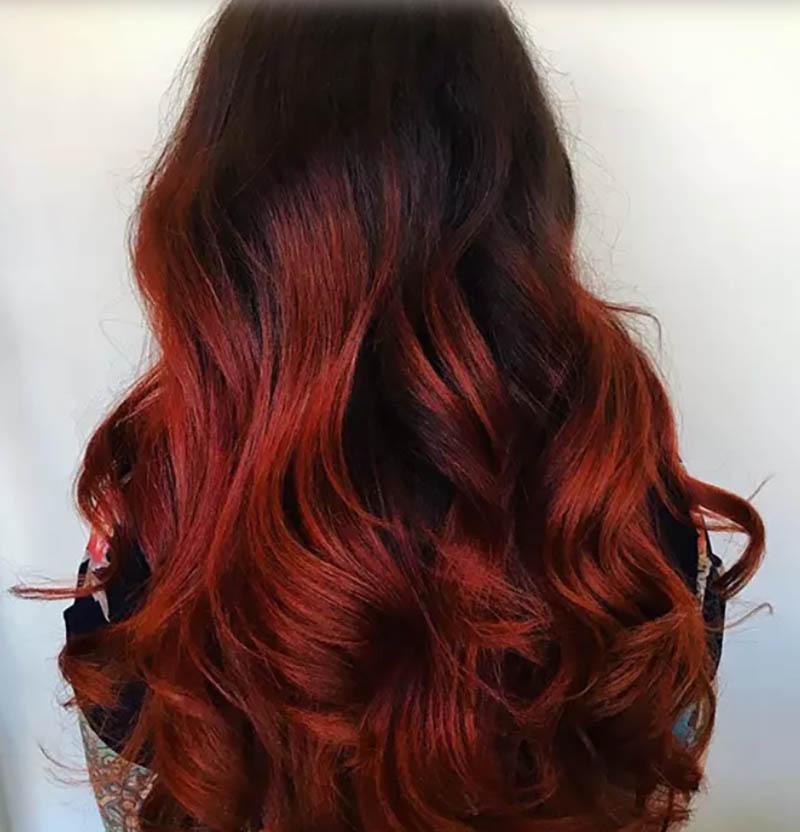 Tóc uốn xoăn toàn bộ nhuộm Ombre màu nâu đỏ Molten Lava
