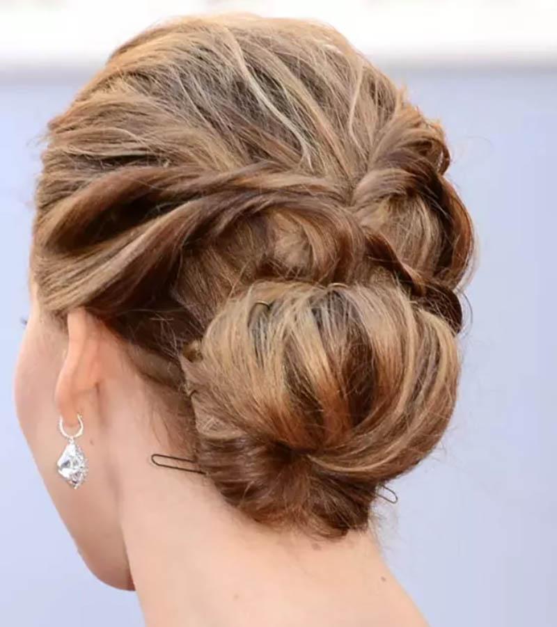 Kiểu tóc xoắn đơn giản