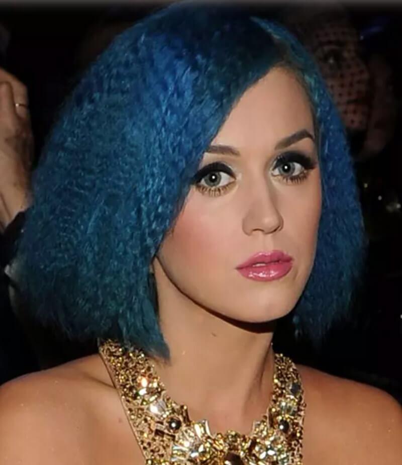 Tóc bện xù màu xanh