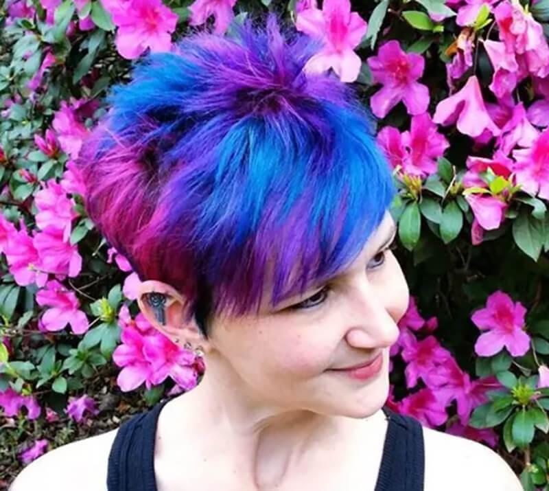 Nhuộm tóc chuyển màu xanh hồng