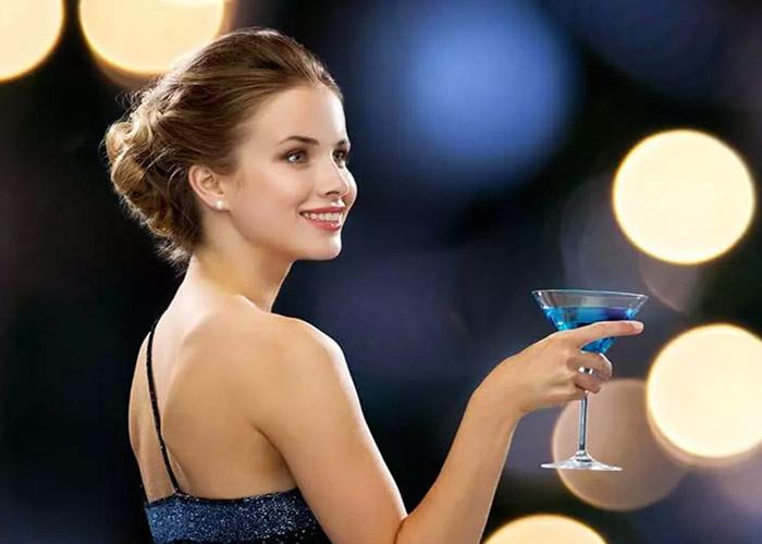 19 Kiểu tóc dài đi tiệc sang trọng bạn nhất định phải thử