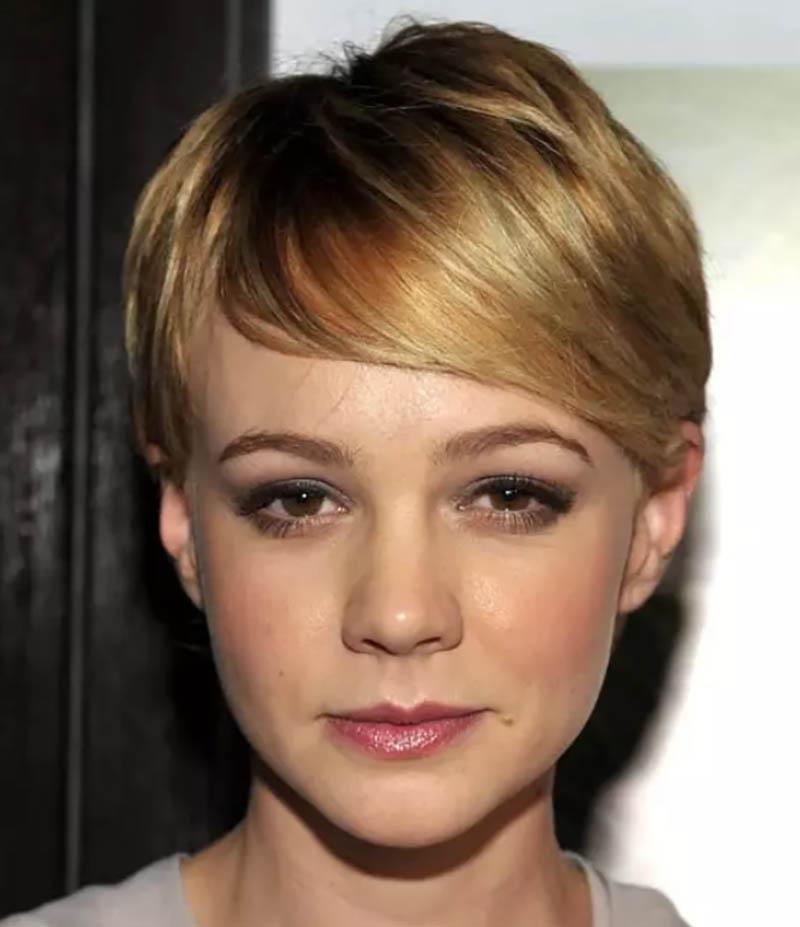 Kiểu tóc ngắn trên tai kết hợp mái chéo dài