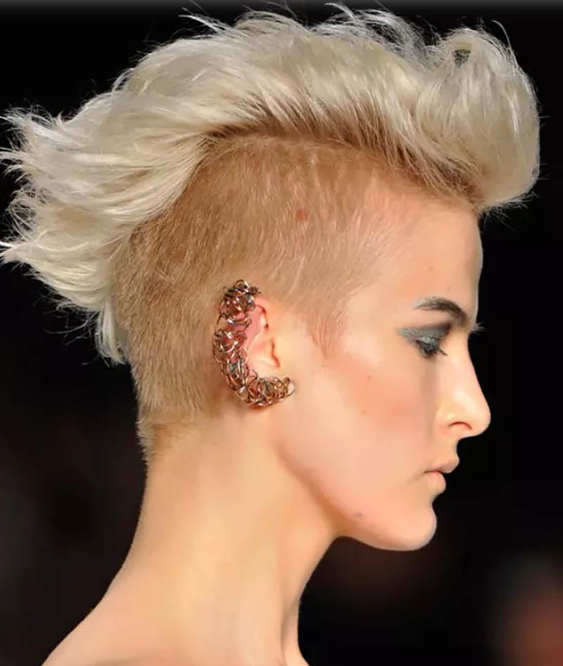 Kiểu tóc Mohican bạch kim