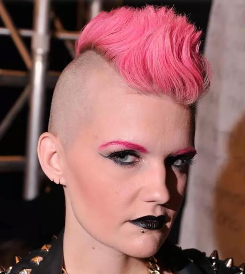Tóc Mohawk nhuộm hồng