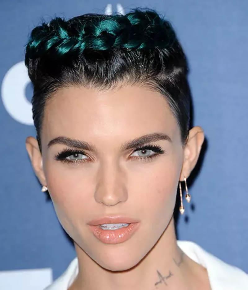 Tóc bện highlight xanh