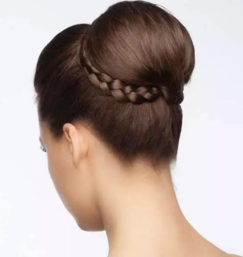 Búi tóc quấn bím
