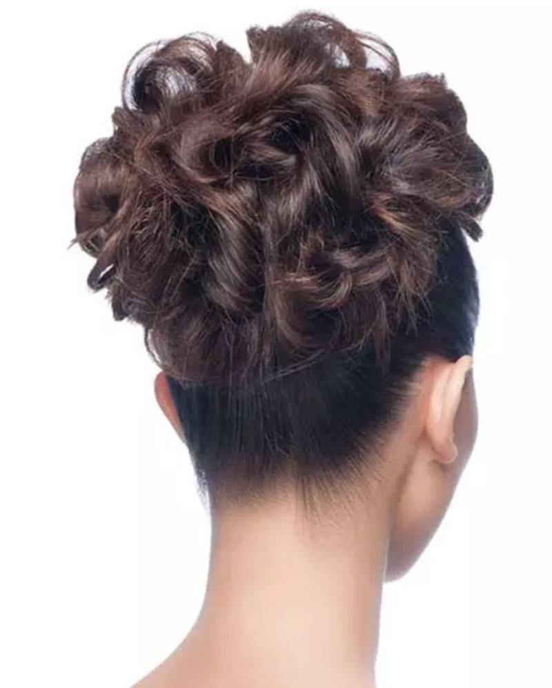 Búi tóc xoăn đuôi