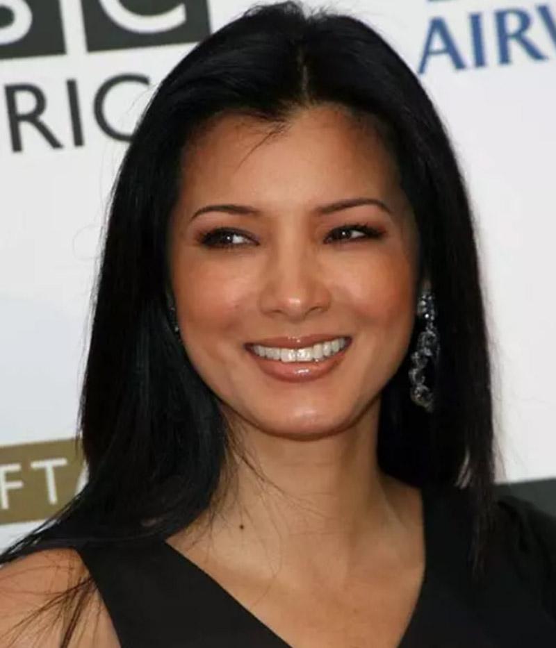 Diễn viên, hoa hậu Kelly Hu - Tóc thẳng tự nhiên