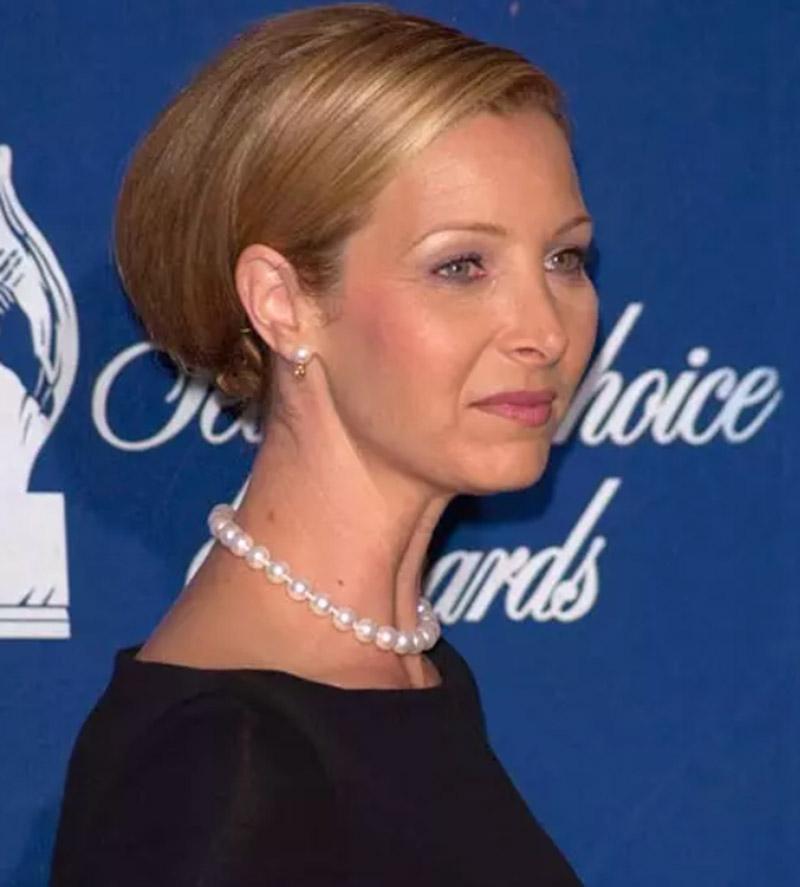 Diễn viên Lisa Kudrow - Tóc búi kiểu Bouffant