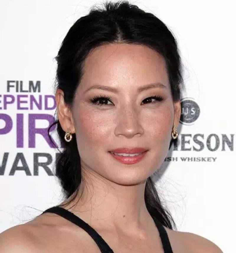Diễn viên Lucy Liu - Tóc đuôi ngựa buộc cao vừa