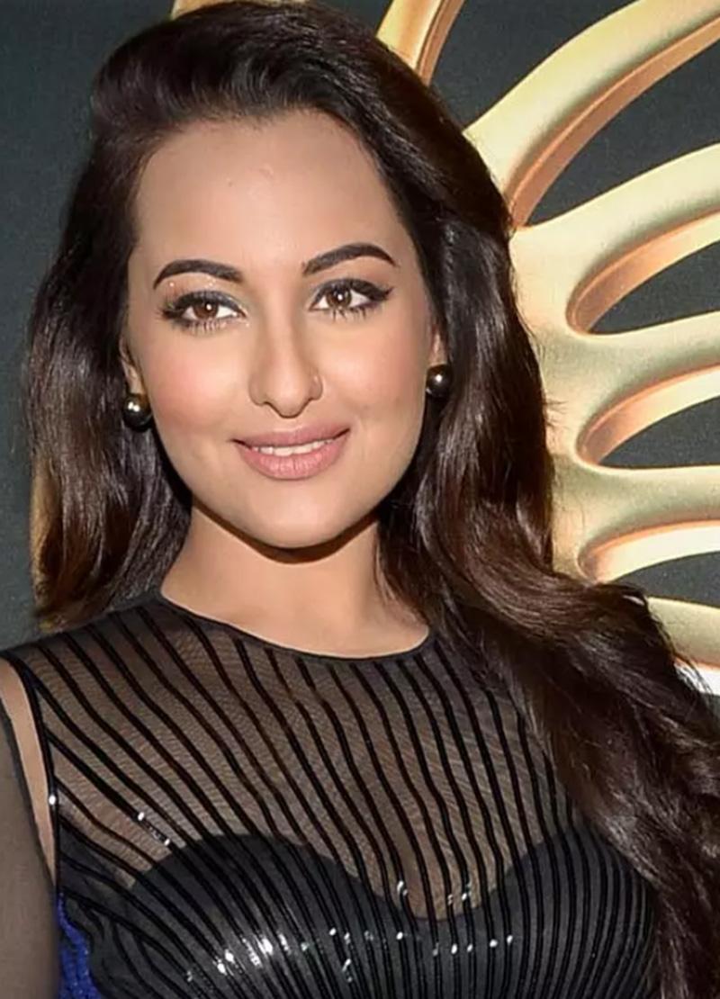 Diễn viên Sonakshi Sinha